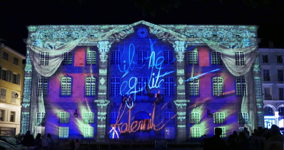 puy de lumières : hôtel de ville puy en velay
